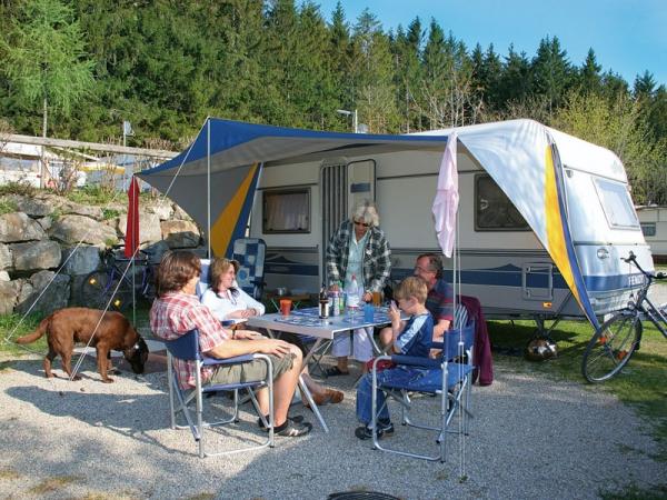 bilder campingplatz elbsee in aitrang deutschland bayern schwaben. Black Bedroom Furniture Sets. Home Design Ideas